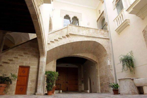 Ruta de los palacios góticos de Valencia. CaminArt